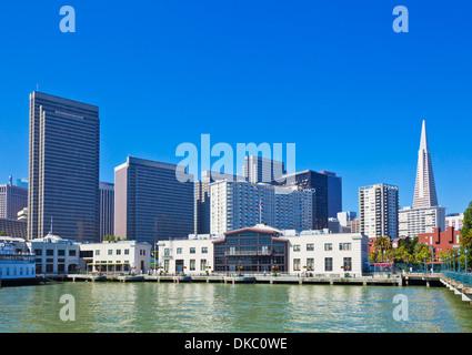 San Francisco city waterfront skyline Financial District et Transamerica Pyramid Californie, États-Unis d'Amérique, Banque D'Images