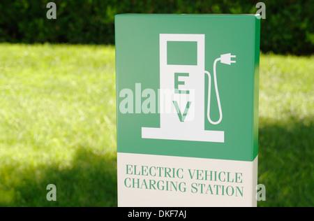 Signe de la station de charge du véhicule électrique Banque D'Images