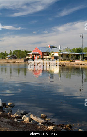 La gare, café et étang, Tingley Beach, Albuquerque, Nouveau Mexique USA Banque D'Images