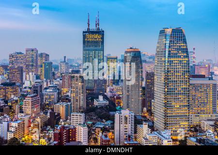 Tokyo, Japon paysage urbain et les immeubles de bureaux à Minato Ward. Banque D'Images