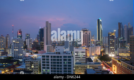 Des gratte-ciel, Skyline at night, Panama City, Panama Banque D'Images