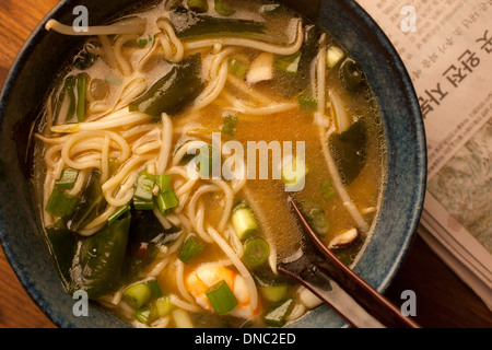 Close up de soupe aux nouilles ramen passage Banque D'Images