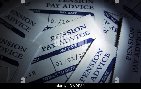 Les régimes de pension privés paient les feuillets de conseils RE L'ÉCONOMIE SUR LE BUDGET DES MÉNAGES L'AUGMENTATION Banque D'Images