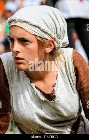 Vêtus de vêtements médiévaux comme un paysan à la Foire Médiévale de Sarasota Banque D'Images