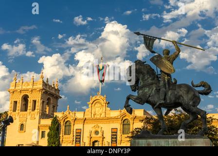El Cid la statue et la maison de l'hospitalité des capacités. Balboa Park, San Diego, California, United States. Banque D'Images