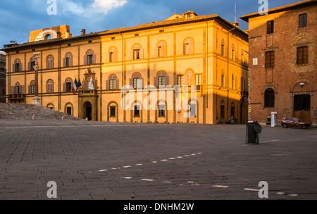 Façade d'un édifice du patrimoine, Sienne, Province de Sienne, Toscane, Italie