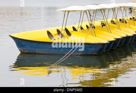 Barques sur le lac Banque D'Images
