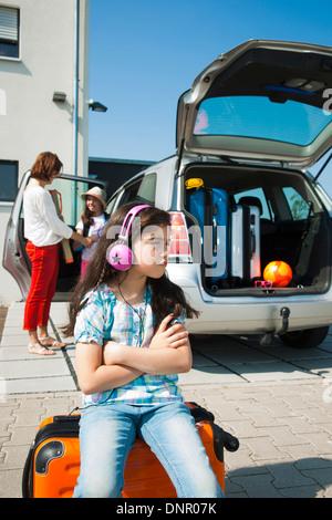 Chargement de la famille Van avec une assurance pour les vacances, Mannheim, Baden-Wurttemberg, Germany Banque D'Images