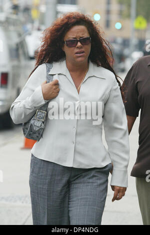 Aug 18, 2006 ; New York, NY, USA ; la soeur de Junior ANGEL GOTTI arrivant à 500 Pearl St. sur Junior Gotti's second Banque D'Images