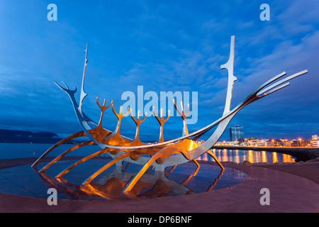 Sculpture Reykjavik Solfar Viking Ship, l'Islande. Banque D'Images
