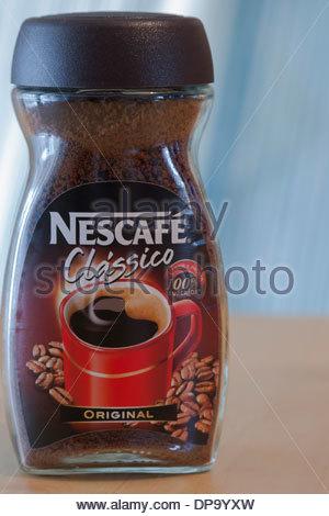 Pot de café instantané Nescafé comme vendu au Portugal Banque D'Images