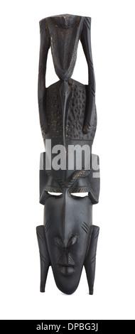 Masque africain en bois noir isolated on white Banque D'Images