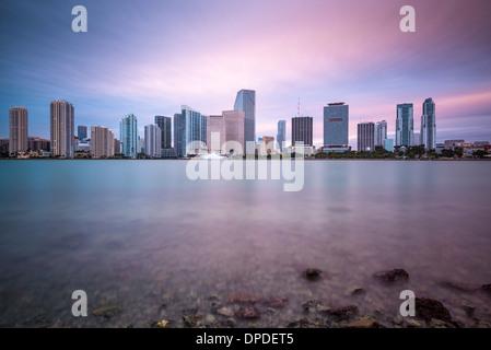Miami, Floride, USA skyline at Biscayne Bay. Banque D'Images