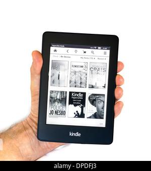 Page d'accueil sur l'Amazon Kindle Paperwhite 2013/14 E-READER Banque D'Images