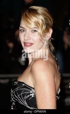 """25 octobre 2006 - London, Greater London, Royaume-Uni - K50425.'les petits enfants"""" Premiere-Arrivals-la fois 50e Banque D'Images"""