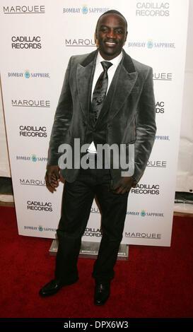 """Dec 01, 2008 - New York, NY, USA - Chanteur AKON à l'arrivée pour la première de New York """"Cadillac Records"""", tenue Banque D'Images"""