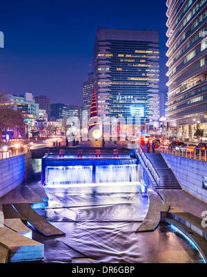 Séoul, Corée du Sud, à Rue Cheonggye Flux. Banque D'Images