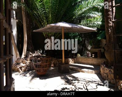 Un patio traditionnel en plein milieu de la ville de Palma Majorque Banque D'Images