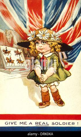 La carte postale patriotique, Girl with toy soldiers, WW1 Banque D'Images