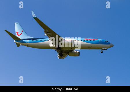Boeing 737 Thomson à la terre Banque D'Images