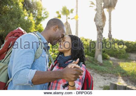 Romantic couple dancing outdoors Banque D'Images