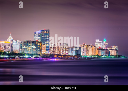 Miami Beach, Floride skyline at night. Banque D'Images