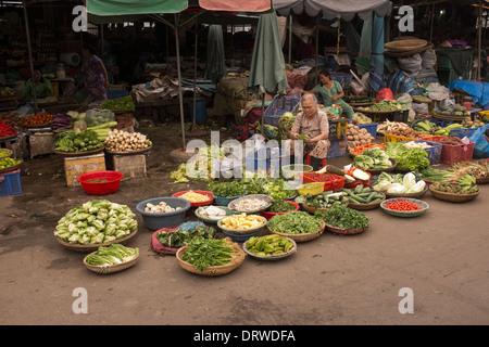 Marché de Dong Ba Hue Vietnam Banque D'Images