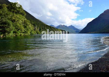 Lake Gunn à Fiordland, Nouvelle-Zélande Banque D'Images