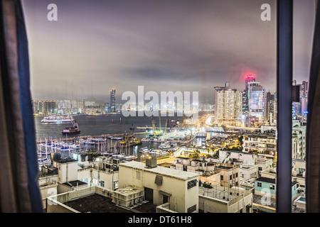Ville vue par la fenêtre, Hong Kong, Chine Banque D'Images