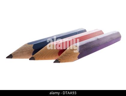 Crayons en bois pointu unique isolated on white Banque D'Images