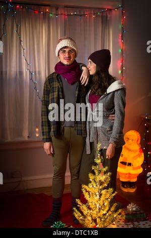 Portrait du jeune couple à Noël Banque D'Images