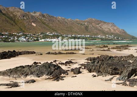 Plage à Gordon's Bay, Western Cape, Afrique du Sud Banque D'Images