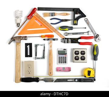 La formation d'un des outils de l'efficacité énergétique de la chambre avec cheminée Banque D'Images