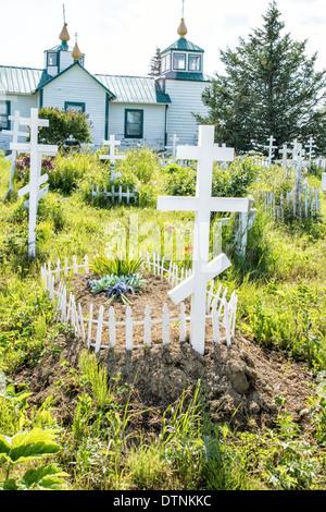 La Sainte Transfiguration du Seigneur Église orthodoxe russe et du cimetière d'Ninilchik, péninsule de Kenai, Alaska, Banque D'Images
