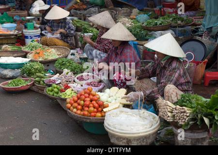 Marché de Dong Ba à Hue au Vietnam Banque D'Images
