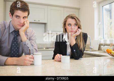 La femme et l'homme ayant un différend Banque D'Images
