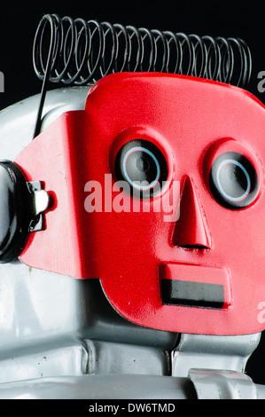 Close up of vintage tin toy robot de liquidation Banque D'Images