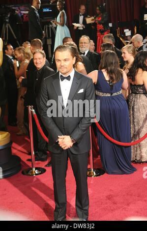 Los Angeles, USA. 2e Mar, 2014. Leonardo DiCaprio arrive sur le tapis rouge pour les Oscars au Kodak Theater à Hollywood, Banque D'Images