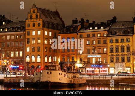 Vue sur le port de grain ('Kornhamnstorg Carré'), Gamla Stan, Stockholm, Suède. Vu de Slussen.