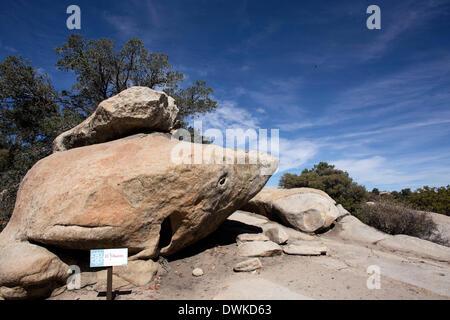 (140311) -- La Basse Californie, le 11 mars 2014 (Xinhua) -- Image prise le 9 mars 2014 présente le rock extérieur Banque D'Images