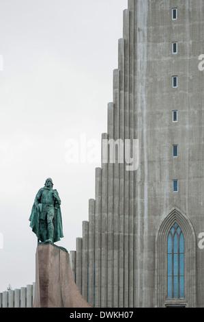 Paroisse luthérienne Hallgrimskirkja church, Reykjavik, Islande, régions polaires Banque D'Images