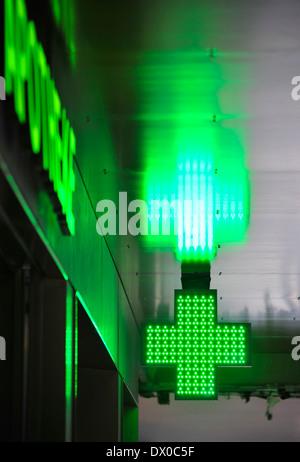 Signe de la pharmacie vert vif Banque D'Images