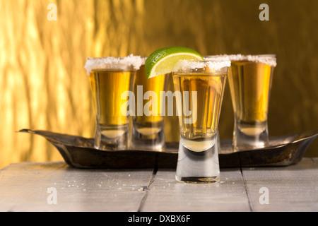 Groupe de tequila shots Ripasso avec limes et de sel Banque D'Images