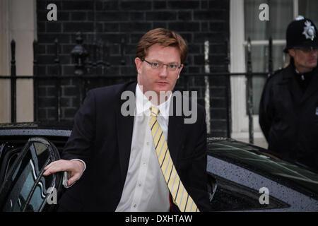 Londres, Royaume-Uni. 26 mars 2014. Le Secrétaire au Trésor, Danny Alexander arrive à Downing Street à Londres avant une réunion avec l'Ukrainien parti UDAR MP de Vitali Klitschko. Crédit: Guy Josse/Alamy Live News