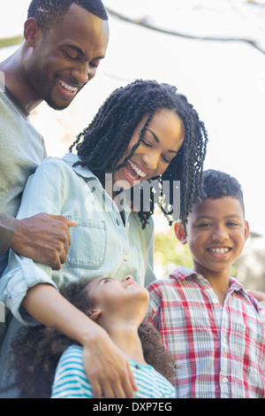 Happy Family outdoors Banque D'Images