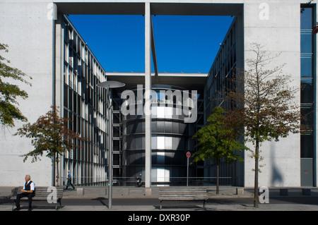 Paul Loebe House, Allemagne, Berlin. Le verre-et-béton Paul-Löbe-Haus abrite des bureaux pour la validation parlementaire du Bundestag