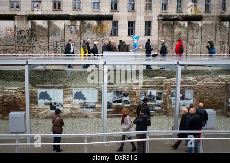 L'extérieur de la nouvelle topographie de la terreur sur le site du musée historique de l'ancien quartier général Banque D'Images