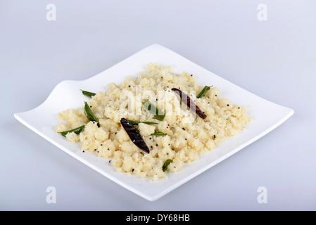 Upma ou Uppuma est un plat de petit déjeuner de l'Inde du Sud Banque D'Images