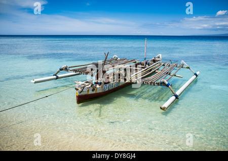 Vieux bateau amarré à Gili Air, de Lombok, Indonésie, Asie Banque D'Images