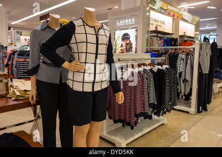 Ralph Lauren womens fashion magasin de vêtements à Tokyo au Japon ... d7ed2131b46